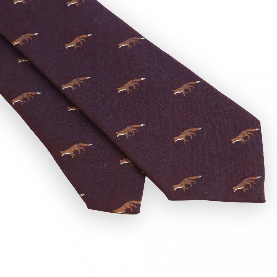 Bordeaux wool and silk tie with fox hunting pattern