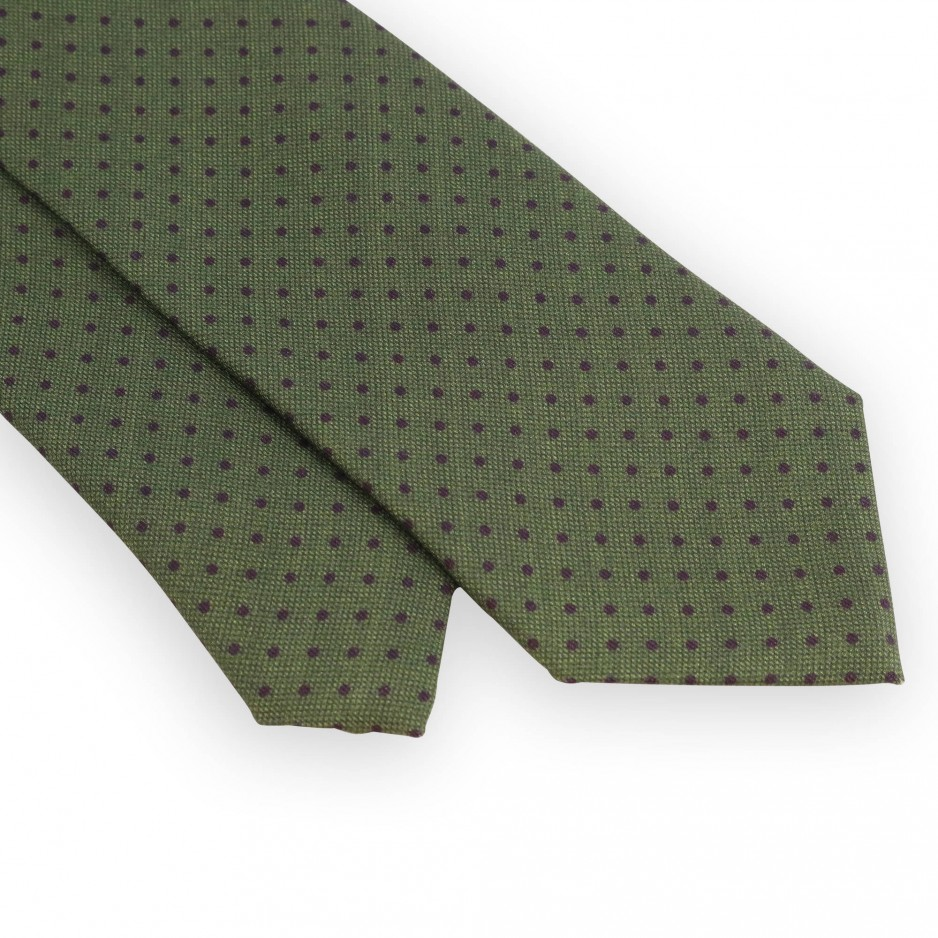 Green tie with purple dots