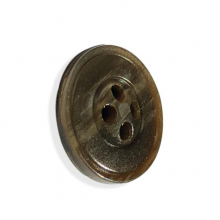Button in fine horn